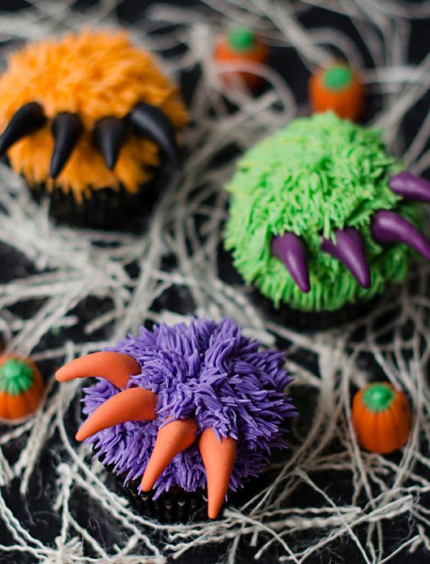 halloween_cupcakes_beautifullife_18_1414355851