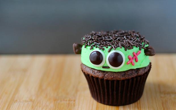 halloween_cupcakes_beautifullife_20_1414355853
