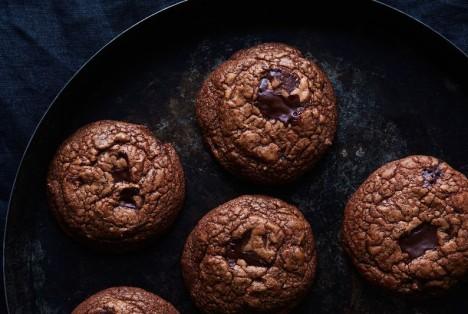 26032db9-db21-4c1c-a342-586f39912823--2015-1119_chocolate-pepper-cookies_linda-xiao-063_1-